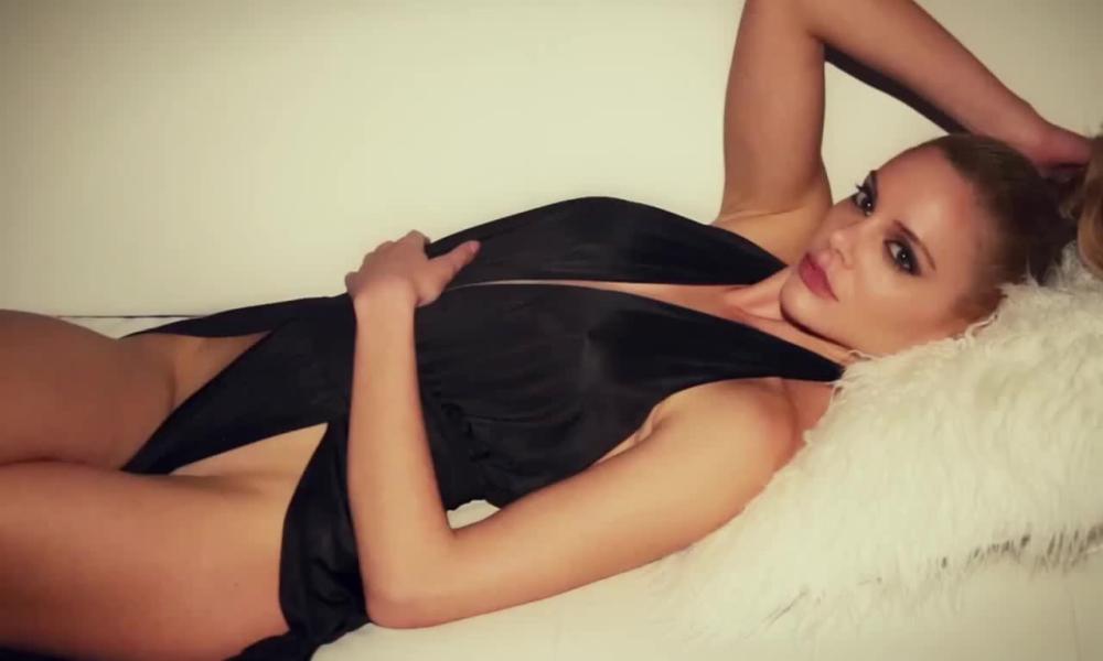 Η Ρία Αντωνίου είναι η απόλυτη σεξοβόμβα! (ΦΩΤΟ)