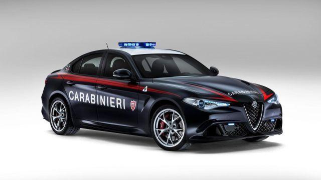 Alfa Romeo-Giulia Quadrifoglio–Italy-police-640