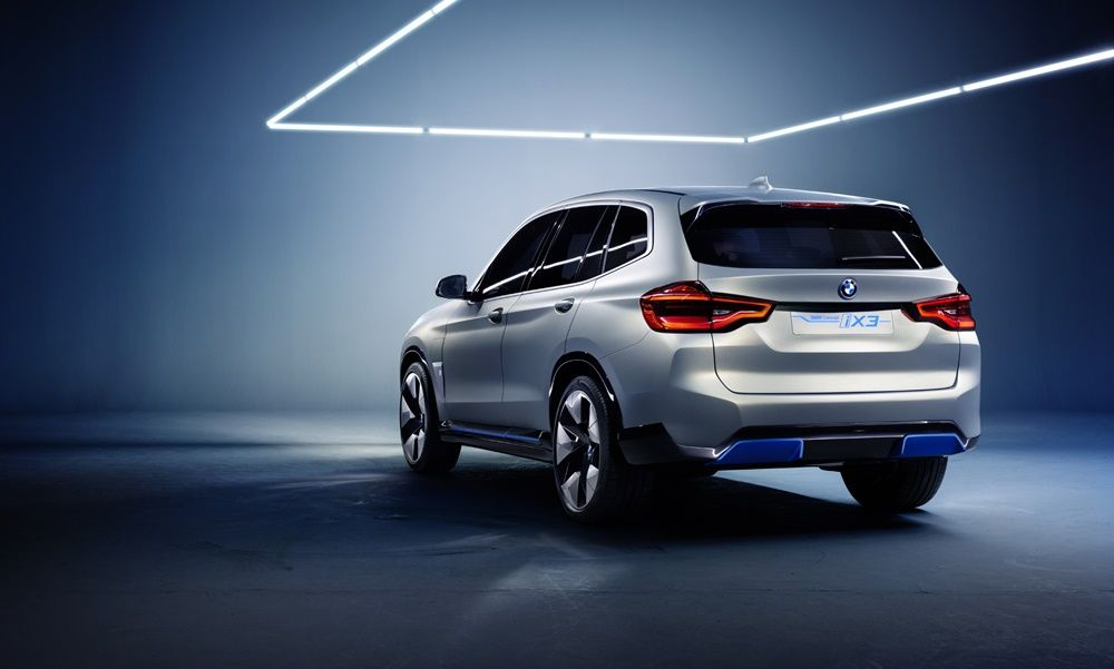 BMW-iX3-Concept-tsiro-1000