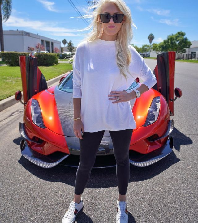 Alex-supercarblondie-g640