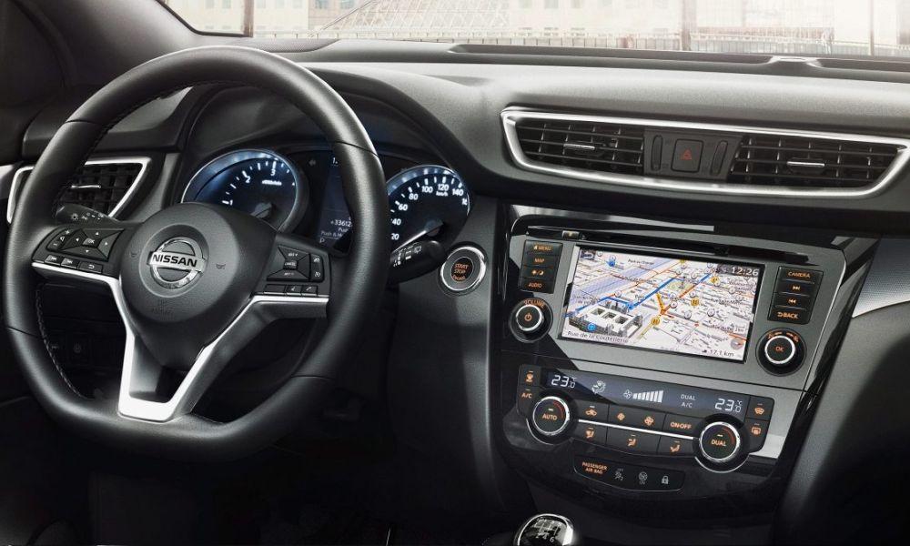 Nissan-Qashqai-2018-nissan-connect1000x600