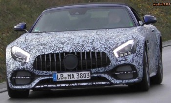 mercedes-amg-gt-roadster-facelift-spied-with-weird-exhaust_2-chariatis-1000