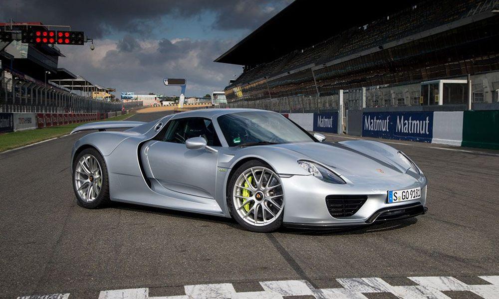 """Porsche: Στόχος της το 6′:30"""" στην Πράσινη Κόλαση του Nurburgring"""