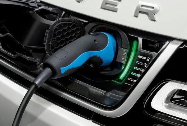 Land-Rover-Range-Rover-Sport-PHEV-2018-f640