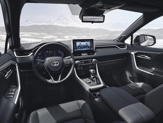 Toyota-rav4-hybrid-2019-tsiro-530
