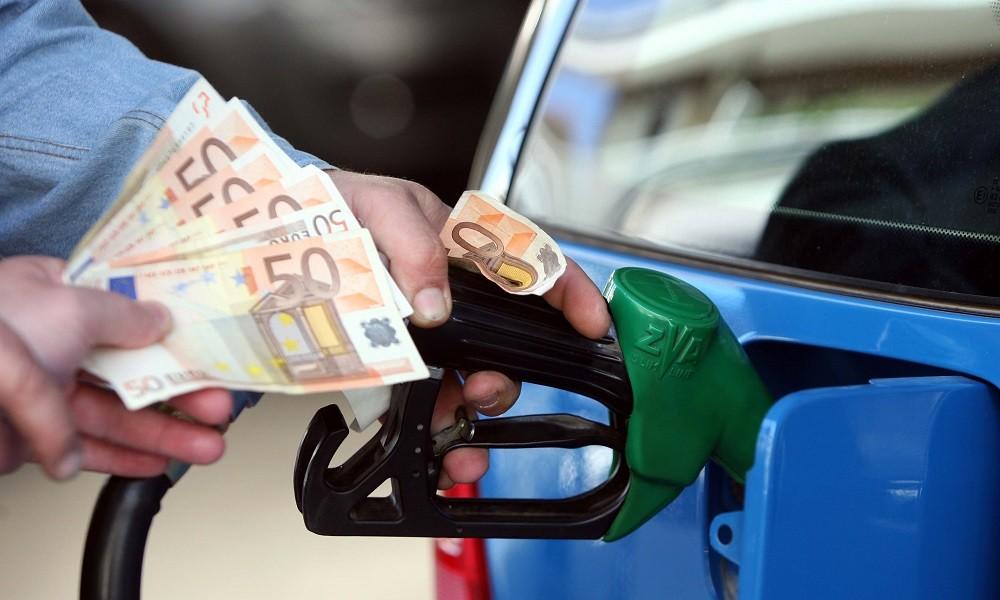 Σοκ! Στα 2 ευρώ η αμόλυβδη και στο 1,6 ευρώ το diesel – «Φωτιά» και τα διόδια