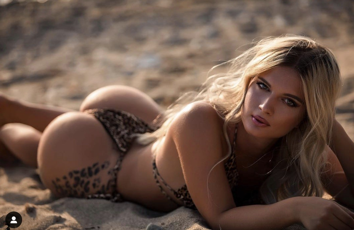 amatuer-greek-sexy-babe-sania-mirza-images