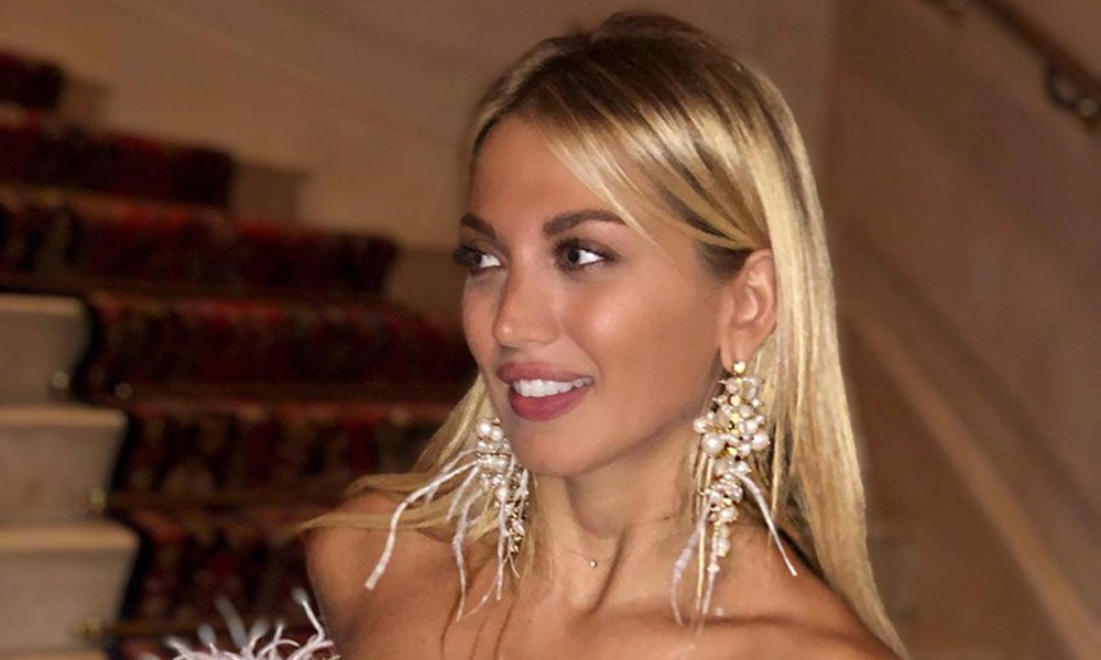 "H Κωνσταντίνα Σπυροπούλου με ""Φτερά και πούπουλα"" στο Παρίσι! (ΦΩΤΟ)"