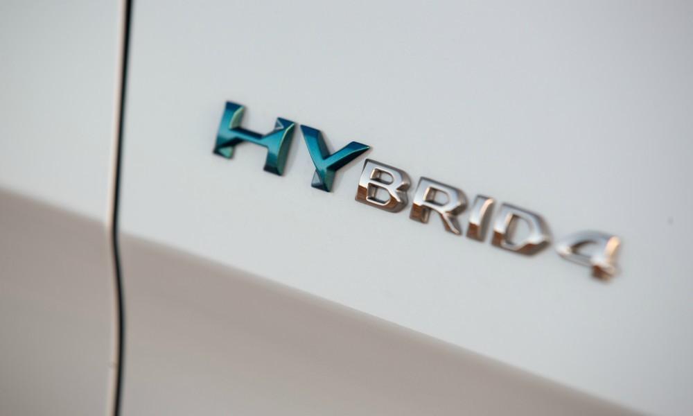 Peugeot_3008_Hybrid4a