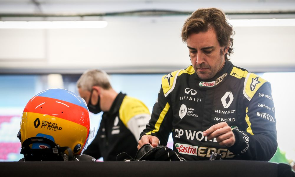 alonso-filming-day-131020-barca-a1000x600