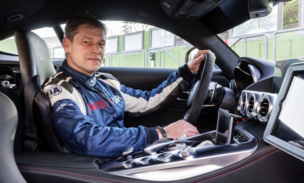 Bernd-Maylander-2018-AMG-GT-R-a1000x600