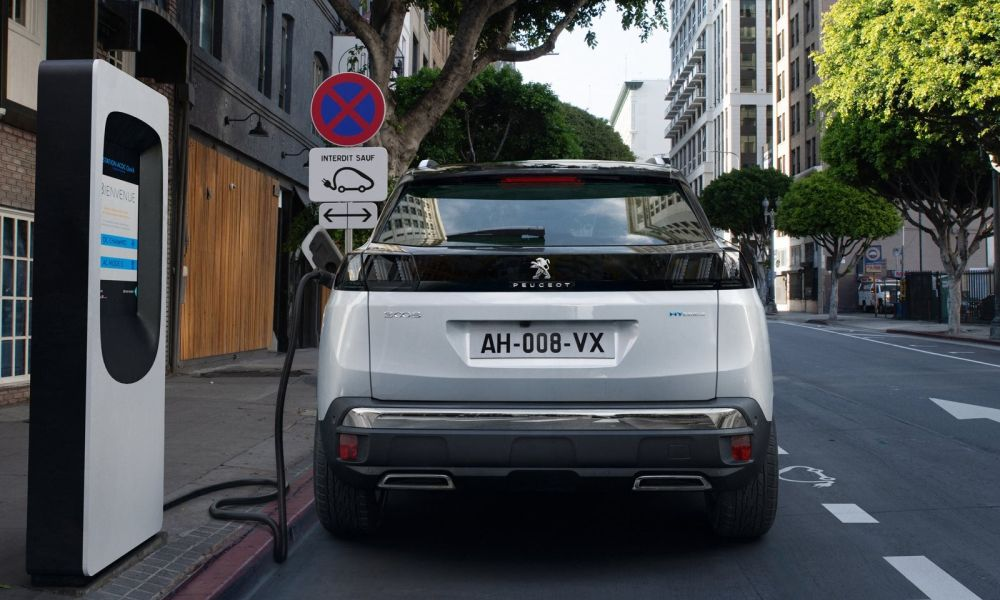 Peugeot-3008-2020-white-g1000x600