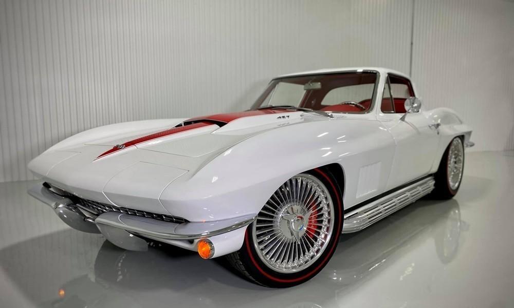 Chevrolet-Corvette Restomod