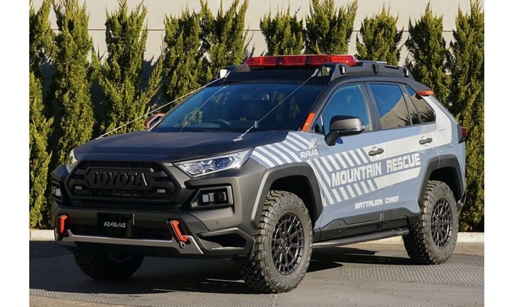 Toyota-RAV4-Mountain-Rescue