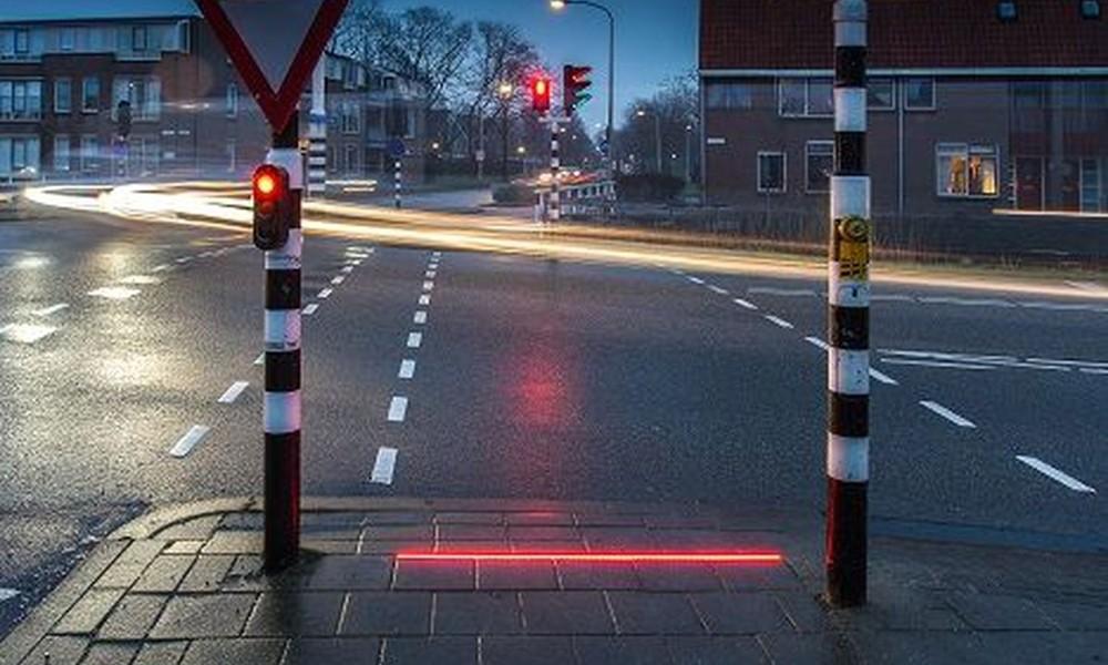 210426164614 Smart Pedestrians Traffic Lights 3